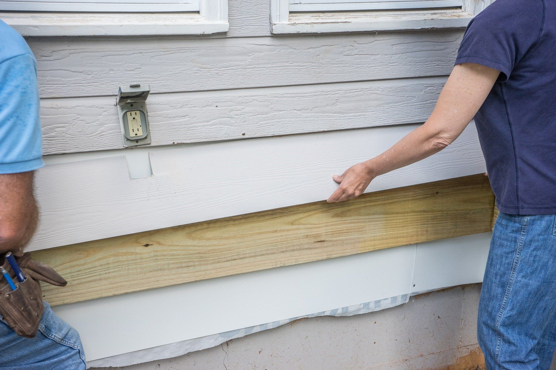 Attaching deck to house with siding - Slip The Siding Board Behind Above Siding