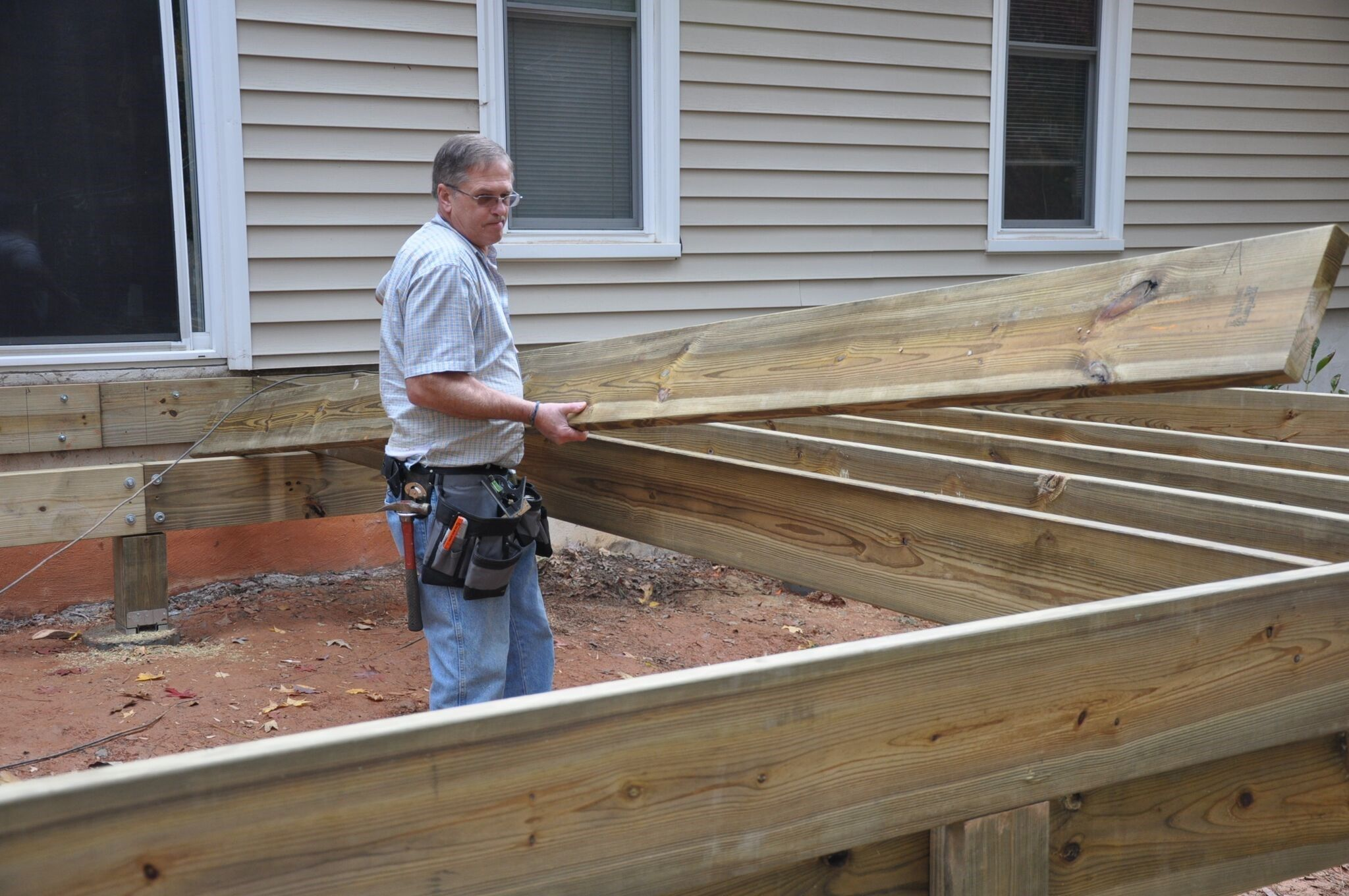 deck joist sizing and spacing