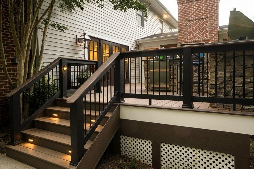 Deck railing codes for 200 sq ft deck