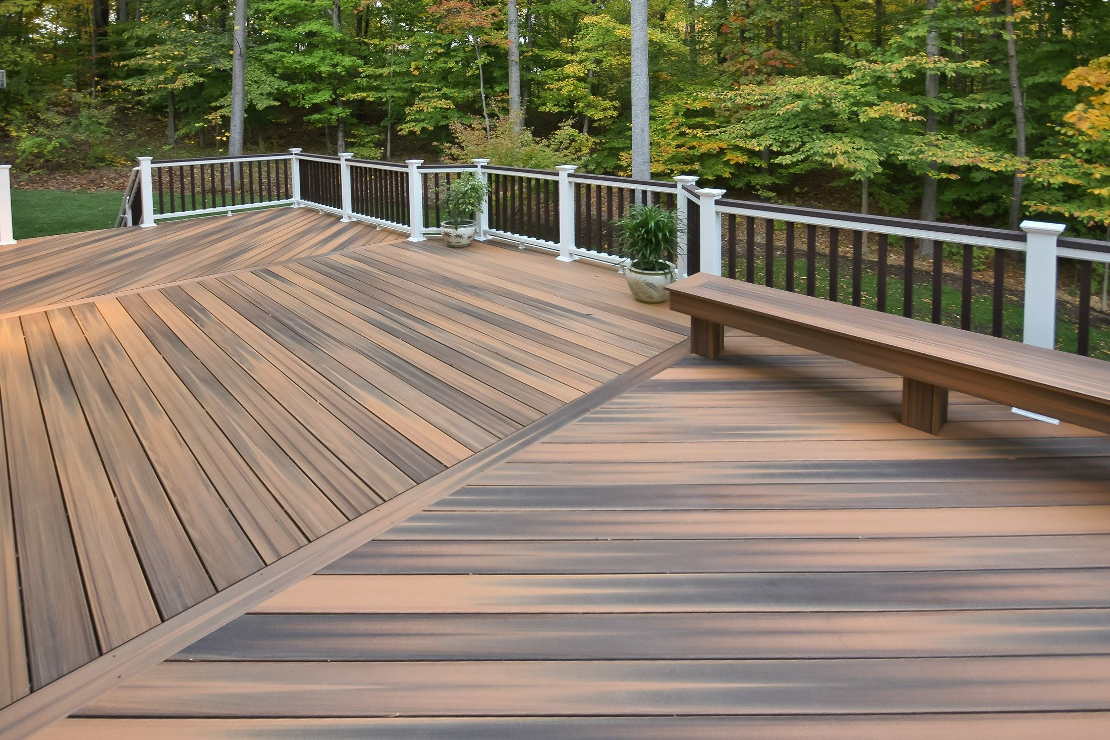 Controlling decking seams for Building a composite deck