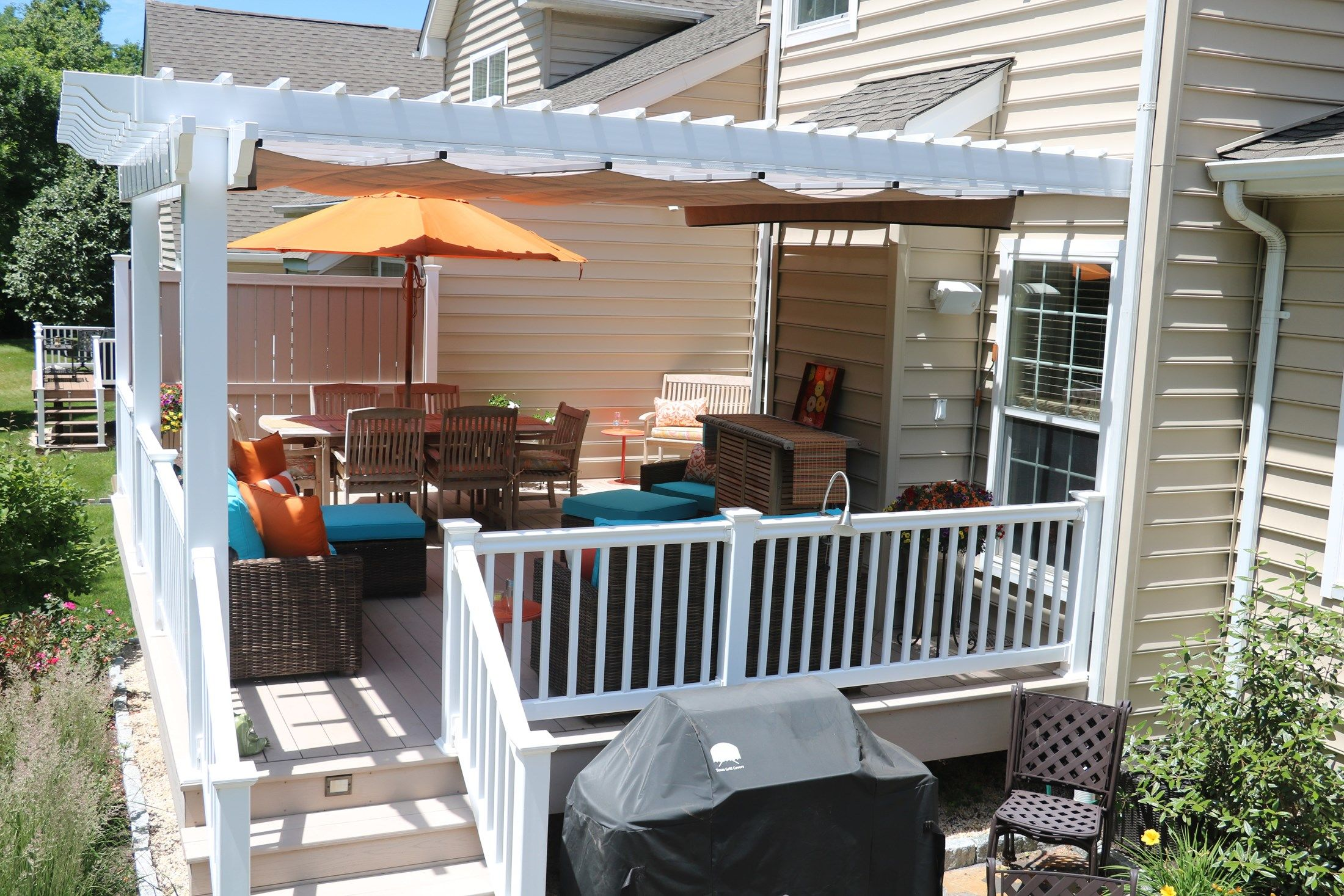 azek deck with vinyl pergola picture 6728. Black Bedroom Furniture Sets. Home Design Ideas