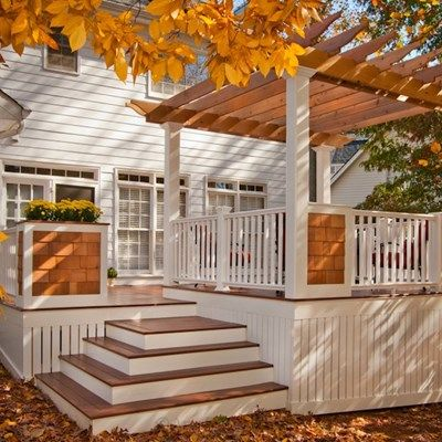 Example of Cape Cod deck