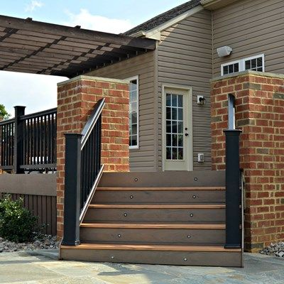 Deck, Pergola and brick columns - Picture 1795