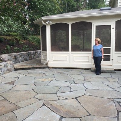 Porch with kneewall & flagstone - Picture 1975