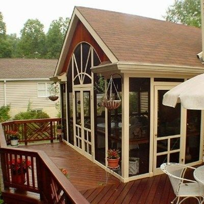 Custom porch with gable roof - Picture 2059
