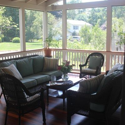 Screen porch, gable roof - Picture 2095