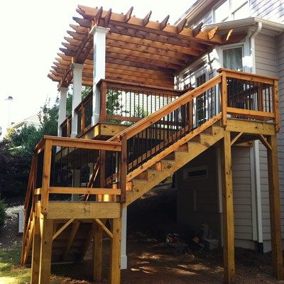 Cedar pergola, beautiful deck. - Picture 3170