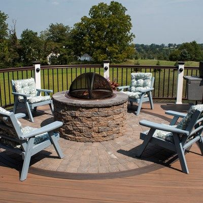 Deck with Fire Pit & Pergola - Picture 3526