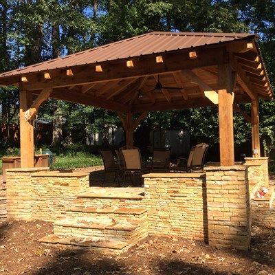 Backyard cedar pavilion - Picture 3572