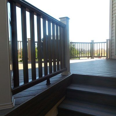 Composite Deck - Picture 3811