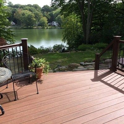 Lakeside Deck - Picture 3864