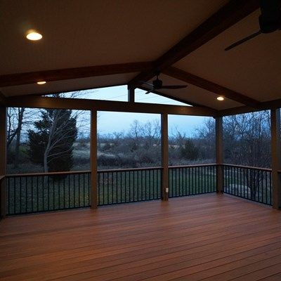 Gable Roof Screened Porch - Picture 5177