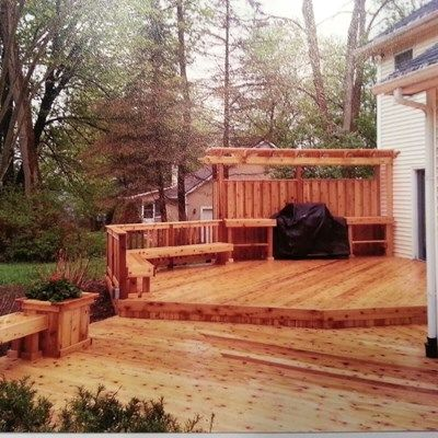 Cedar deck with Privacy wall - Picture 6135