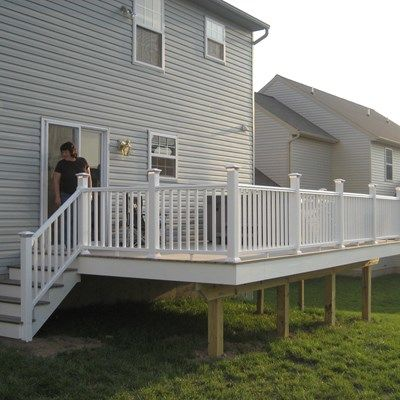Composite Decks With PVC Vinyl Railing - Picture 6431