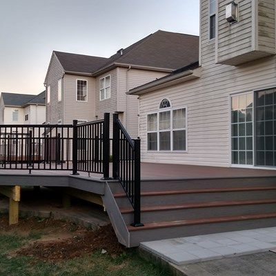 Composite Decks With Metal/Composite Railings - Picture 6442