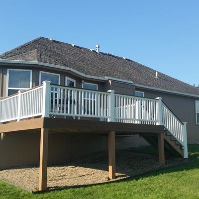 Composite Deck and Railing - Picture 6658