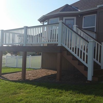 Composite Deck and Railing - Picture 6659