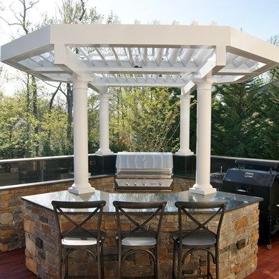 Outdoor Living at it's BEST! - Picture 6817
