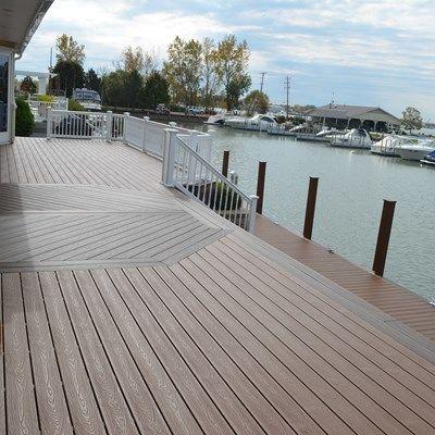 Low-Maintenance Dock - Picture 6881