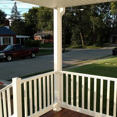 Schneider Porch - Picture 7100