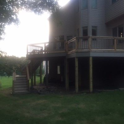 Cedar deck with aluminum baluster railings. - Picture 7219