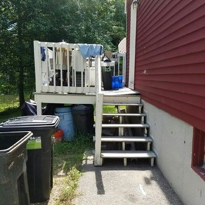 8x8 Composite Deck, Double Stairway - Picture 7315