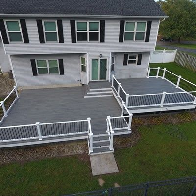 Island mist trex deck with white vinyl rails - Picture 7545