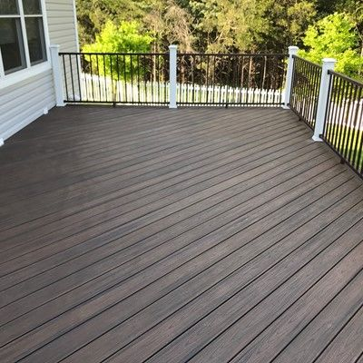 Spiced rum deck with aluminum railings - Picture 7555