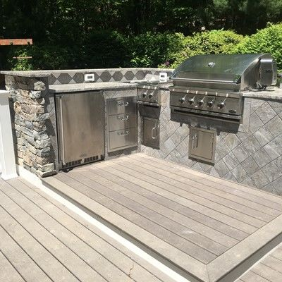 Outdoor Kitchen and Deck - Picture 7757