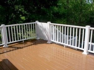 Composite deck with child proof gate - Picture 7788