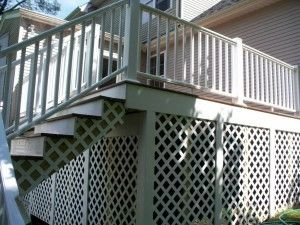 Composite deck with child proof gate - Picture 7789