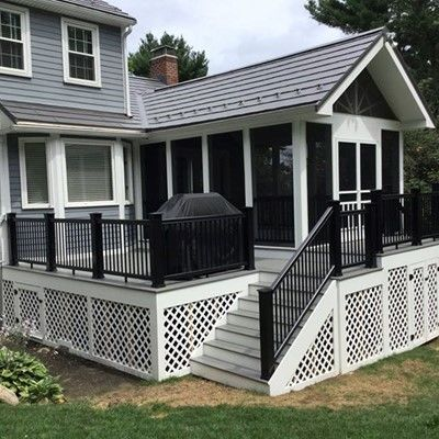 Porch with custom black rails - Picture 7824
