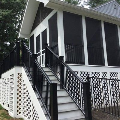 Porch with custom black rails - Picture 7825