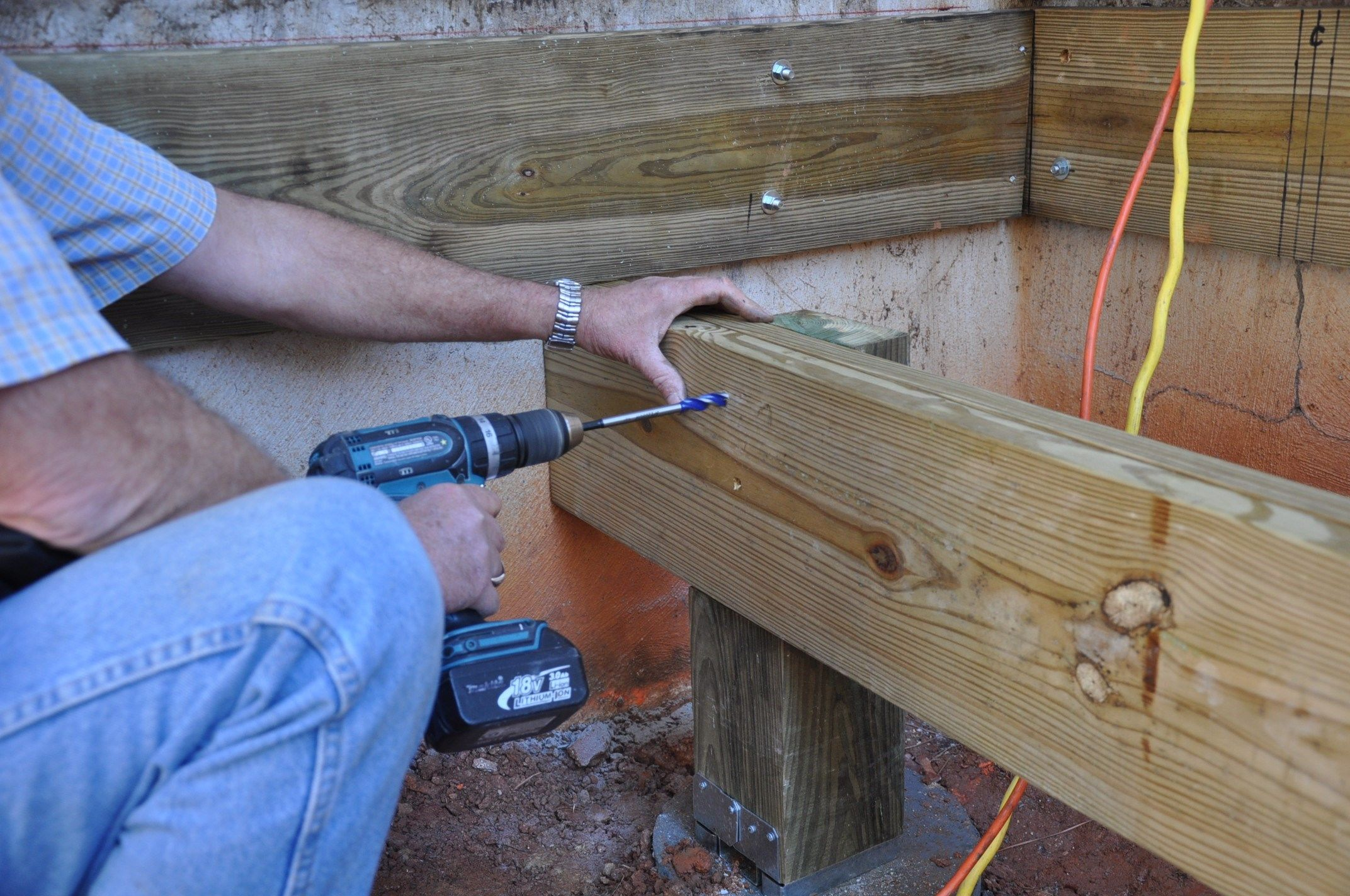 How to Connect a Notched Wood Post to a Beam | Decks com