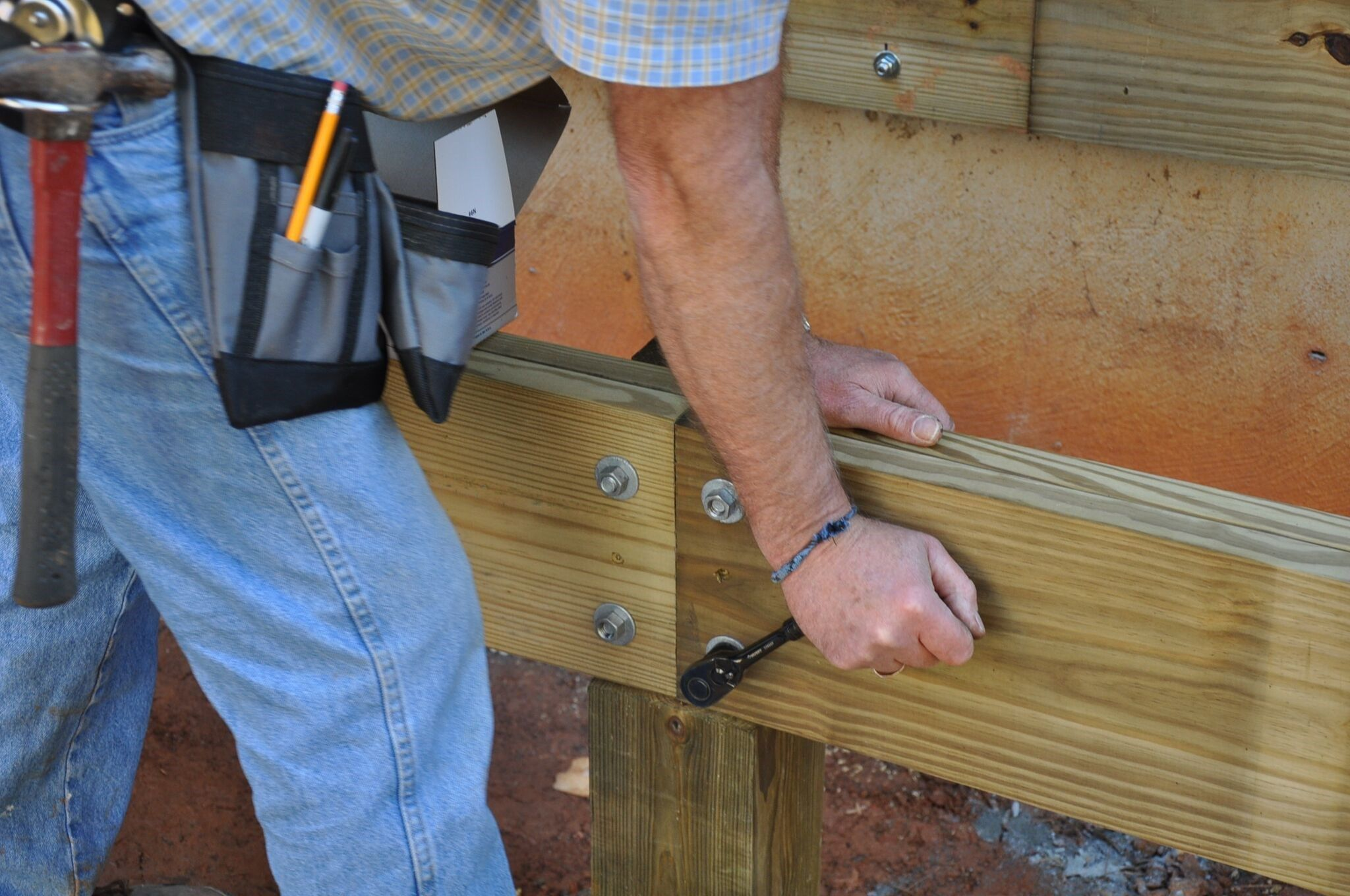 How to Splice a Deck Beam Over a Support Post | Decks com