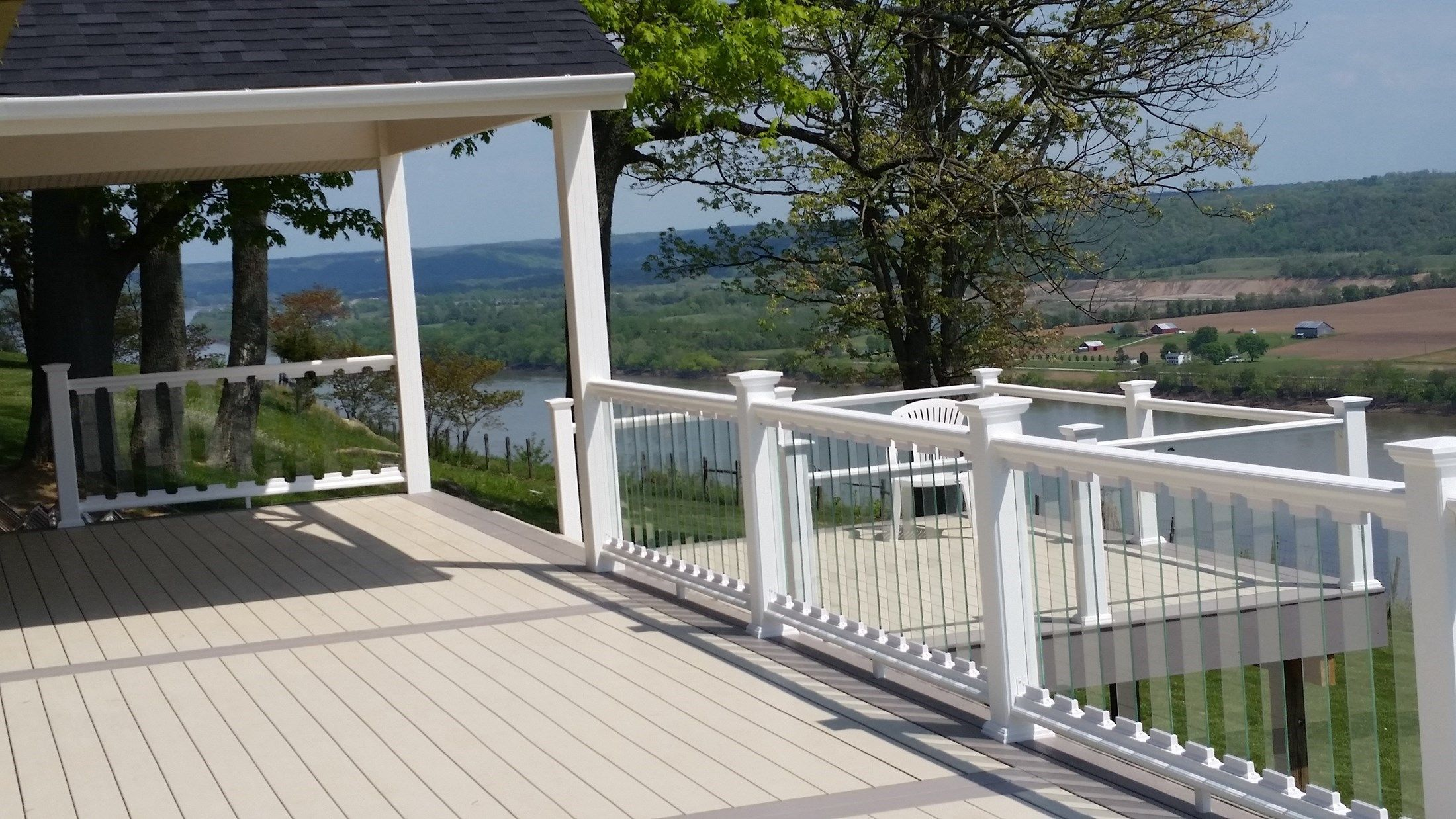 Glass deck railings for Garden decking glass panels