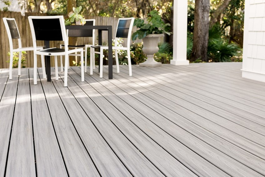 Differences Between PVC & Composite Decking