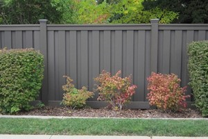 Composite Fencing: Reviews & DIY Installation Overview
