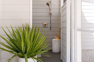 6 of the Best DIY Outdoor Shower Ideas