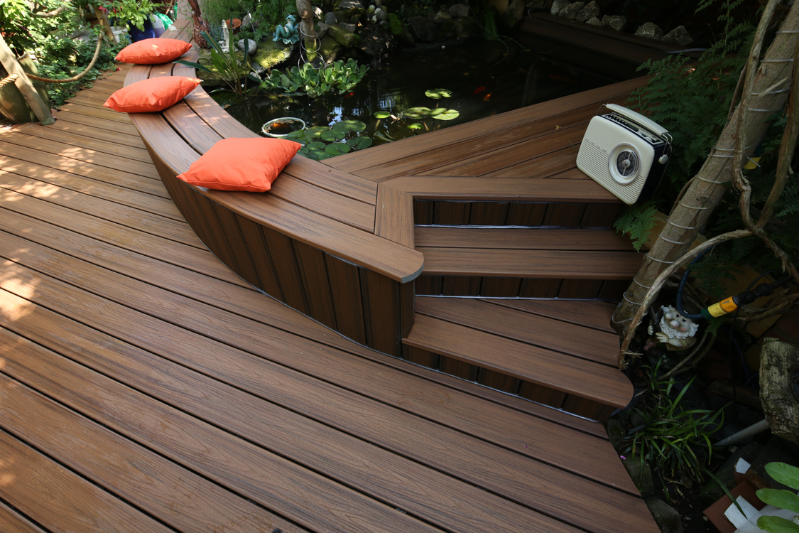 Removing Moss & Algae from Your Deck