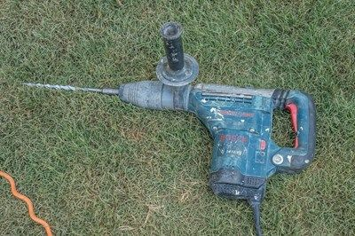 Heavy-duty hammer drill.