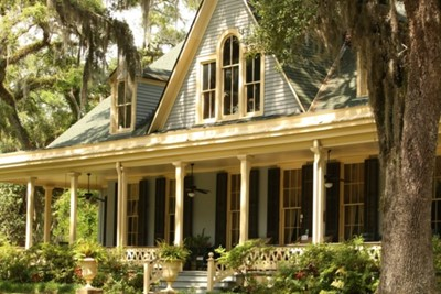 Traditional Wrap Around Porch Style