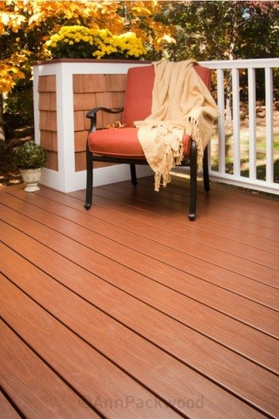 Cape Cod Deck - Picture 1079