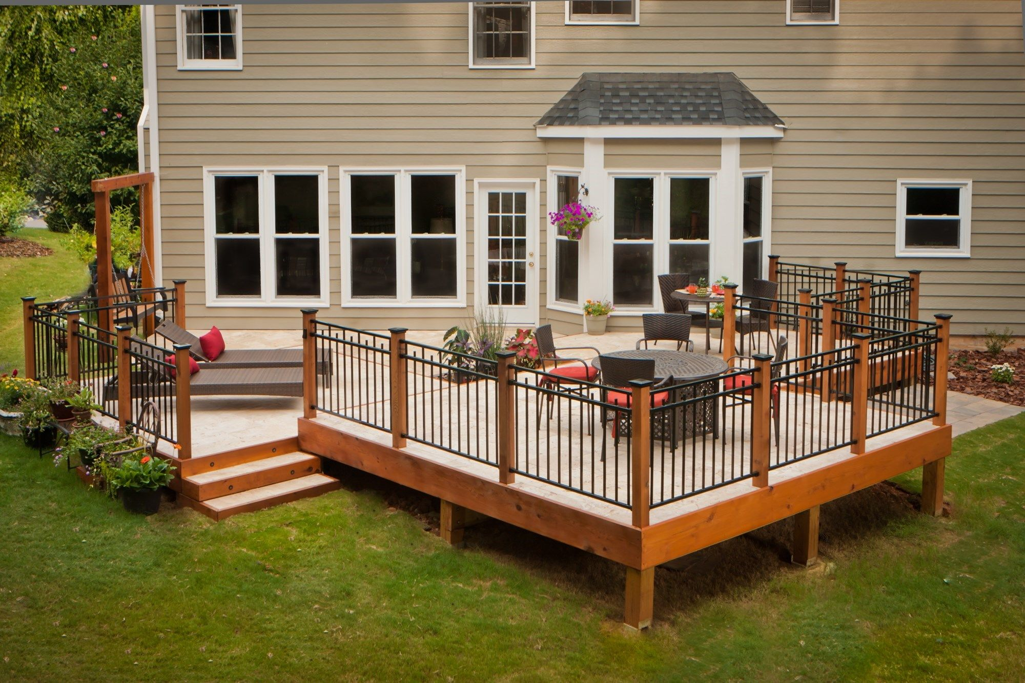 Stone Deck With Metal Railings - Picture 1086