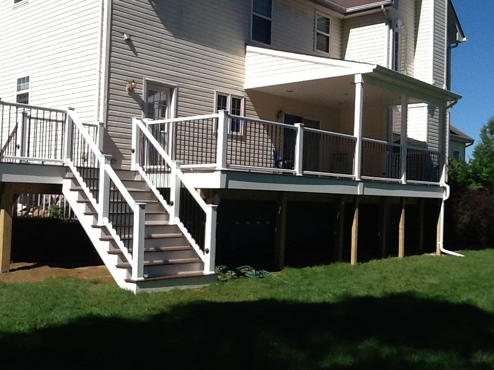 East Windsor, unique stairs - Picture 1141