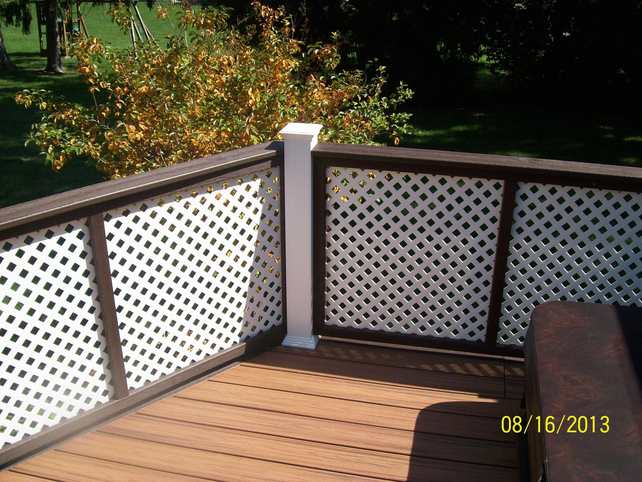 Custom Privacy Screen - Picture 1154