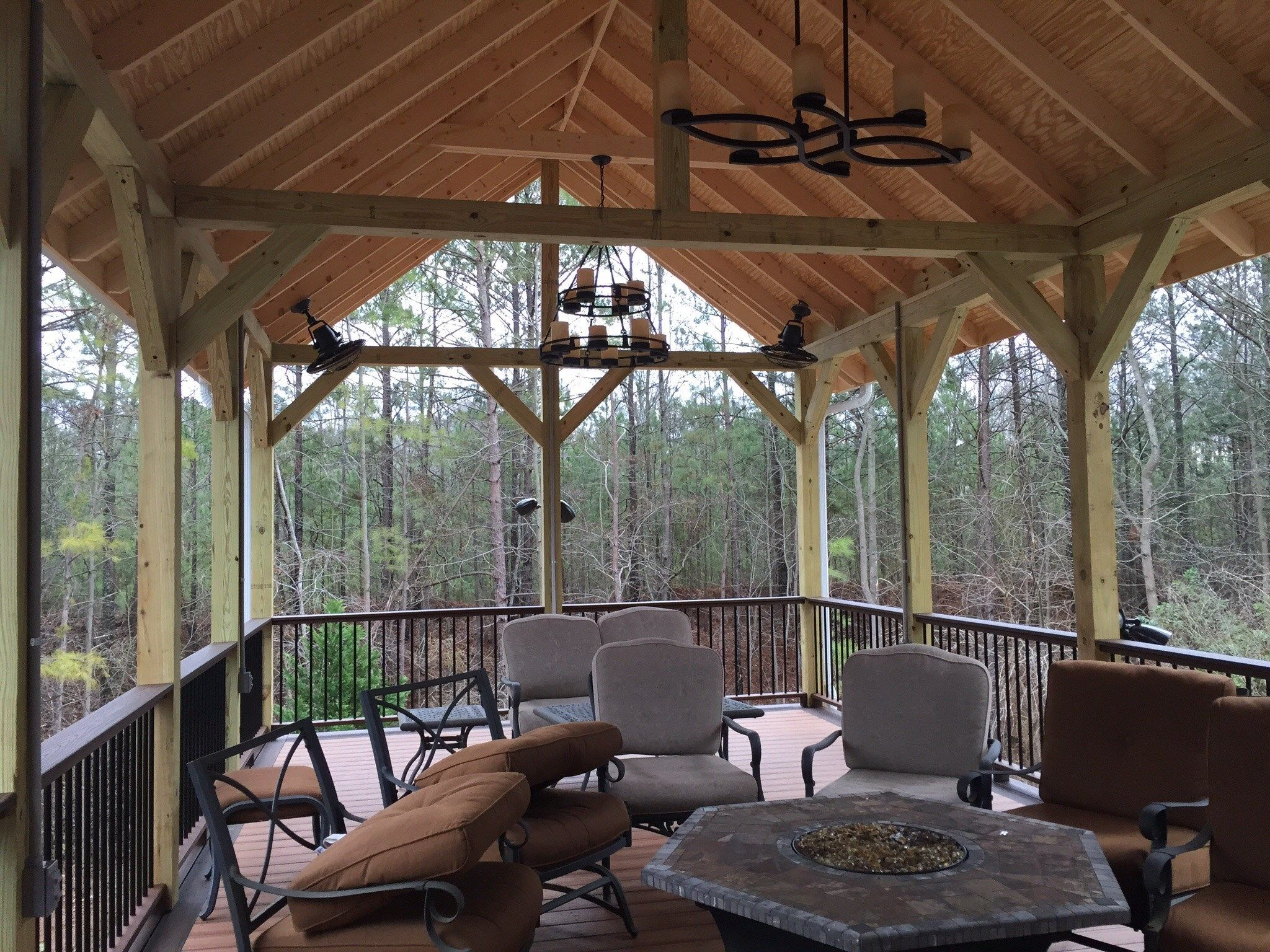 Deck and gazebo - Picture 1192
