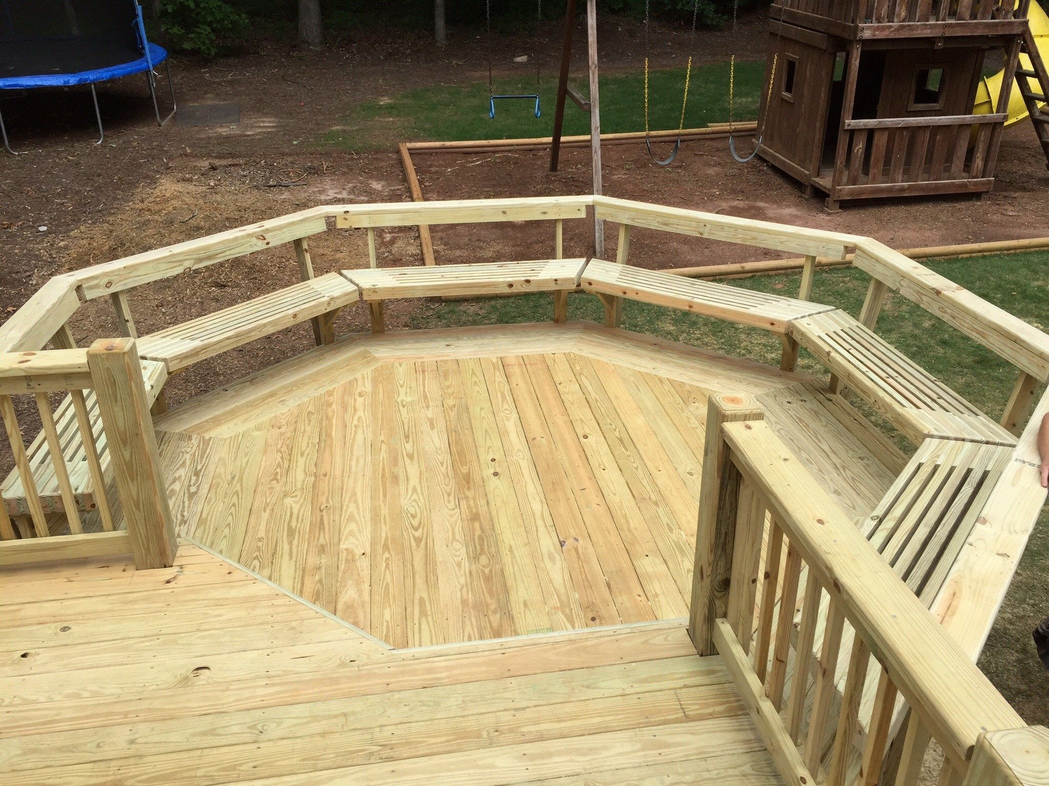 Deck and gazebo - Picture 1194