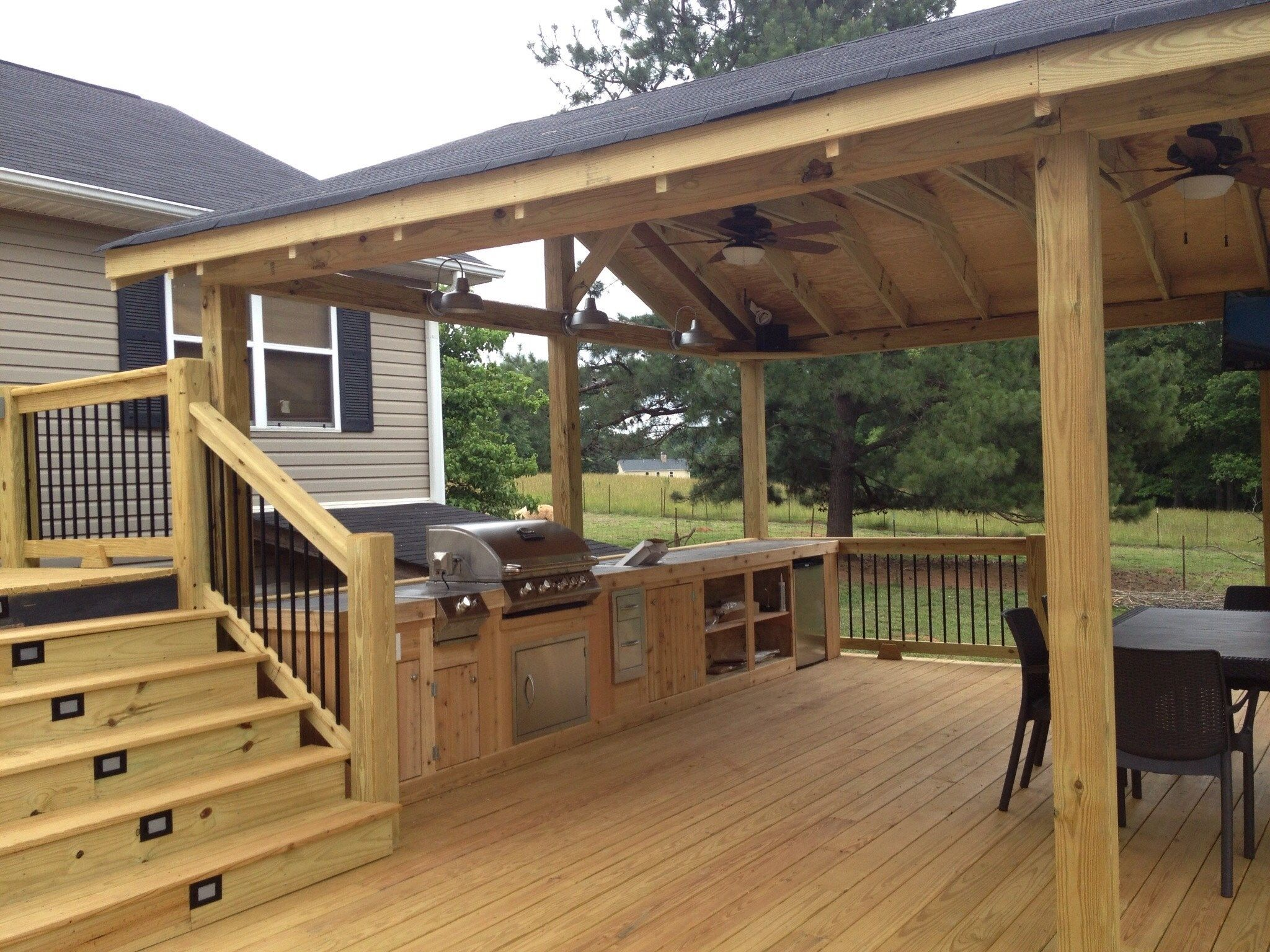 Deck and gazebo - Picture 1196