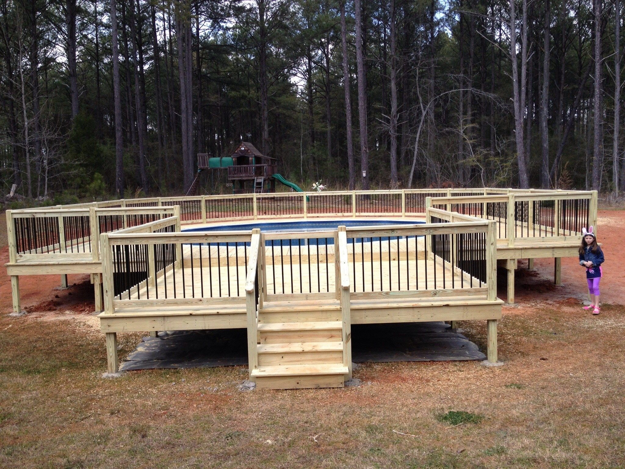 Deck and gazebo - Picture 1198